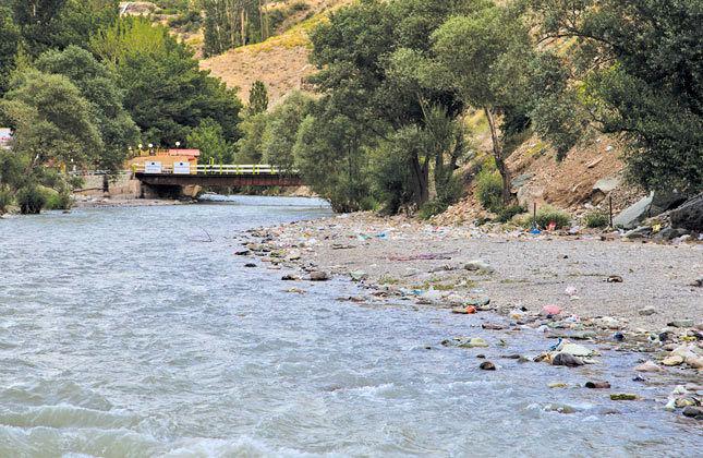 مسافران نوروزی در حاشیه رودخانههای البرز توقف نکنند