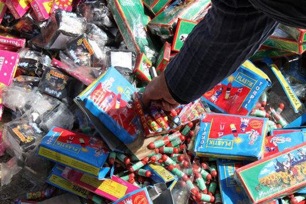 کشف بیش از ۱۸ هزار نوع مواد محترقه در مشهد