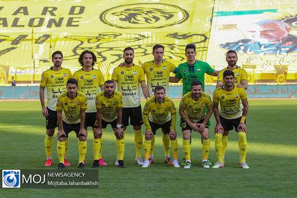دیدار تیم های فوتبال سپاهان و فولاد خوزستان - ۲۱ دی ۱۳۹۹