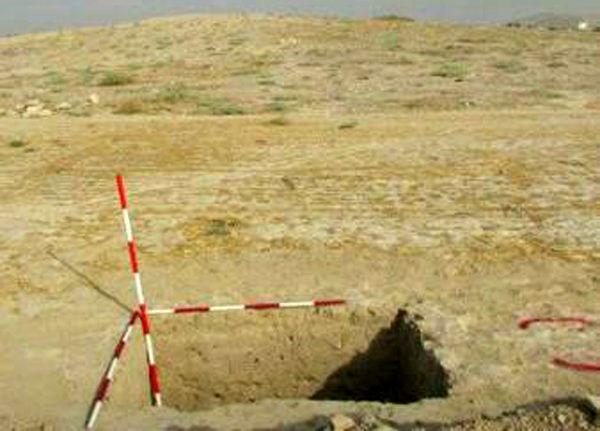 کشف دست افزارهای سنگی انسان های نخستین در دشت اسلام آباد