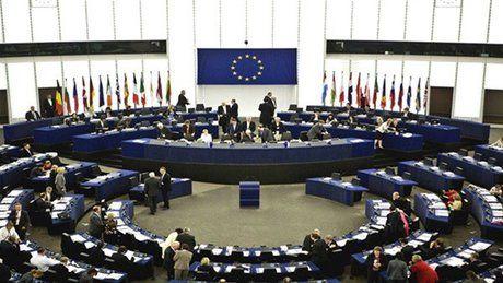اتحادیه اروپا لهستان را تهدید کرد