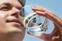 تاثیر نوشیدن آب در کاهش وزن را بهتر بشناسید