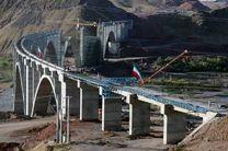 تأکید رئیس جمهوری مبنی بر اتمام راه آهن رشت - قزوین در موعد مقرر