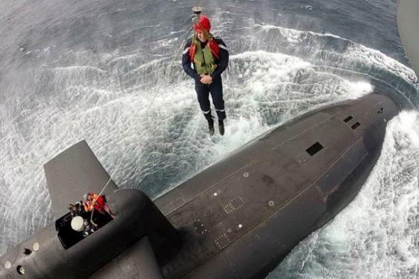 «ماکرون» از زیردریایی اتمی «مخوف» بازدید کرد