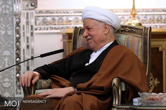ایران را به جایگاهی که استحقاق دارد، برسانیم