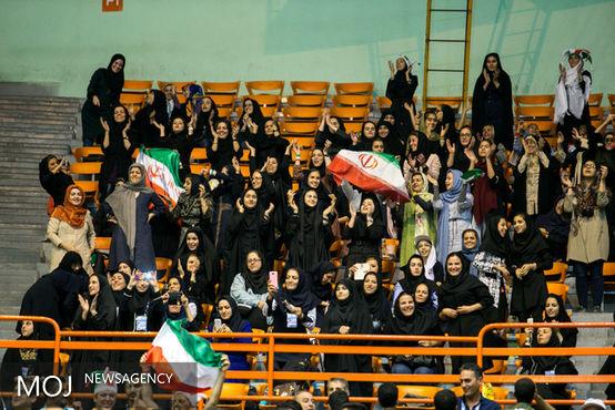 حضور زنان در بازی ایران - صربستان اولین اقدام مهم بود