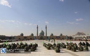 صبحگاه مشترک یگان های نظامی و انتظامی در مسجد مقدس جمکران