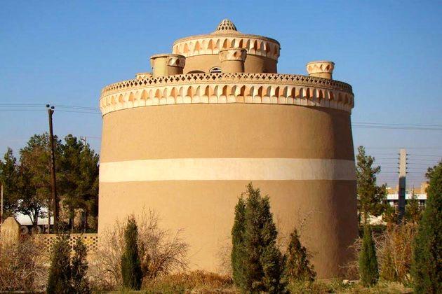 مرمت برج کبوترخانه 120 ساله در استان اصفهان