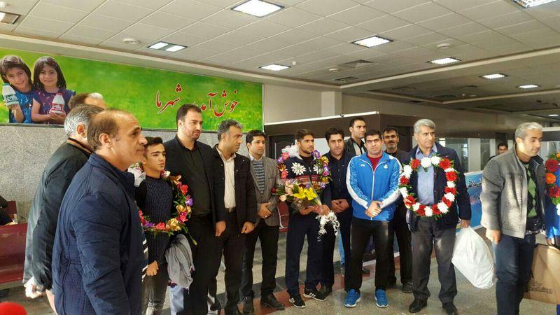 استقبال مردم کرمانشاه از افتخارآفرینان کونگفو کار کرمانشاهی