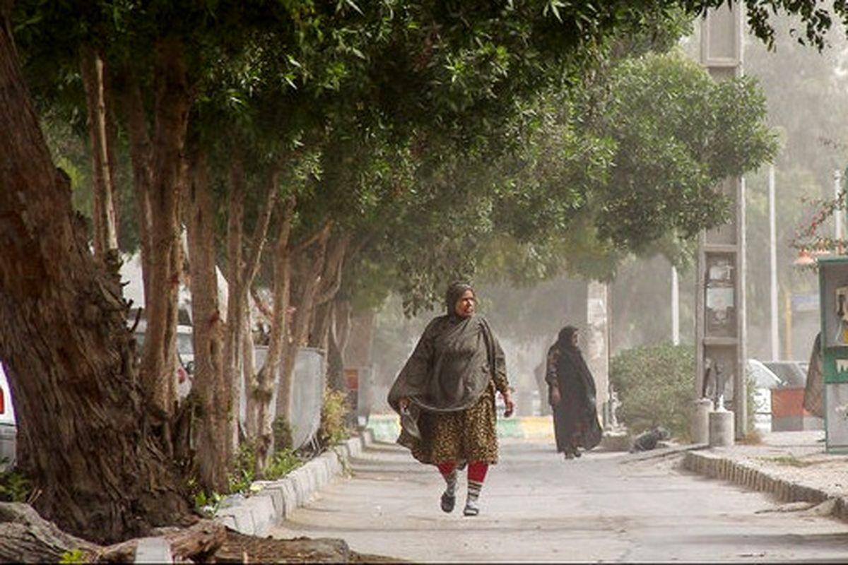 کیفیت هوا بندرعباس برای همه گروه ها ناسالم است