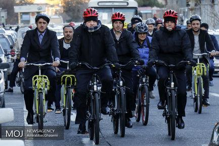 دوچرخه+سواری+شهردار+تهران+در+سه+شنبه+های+بدون+خودرو