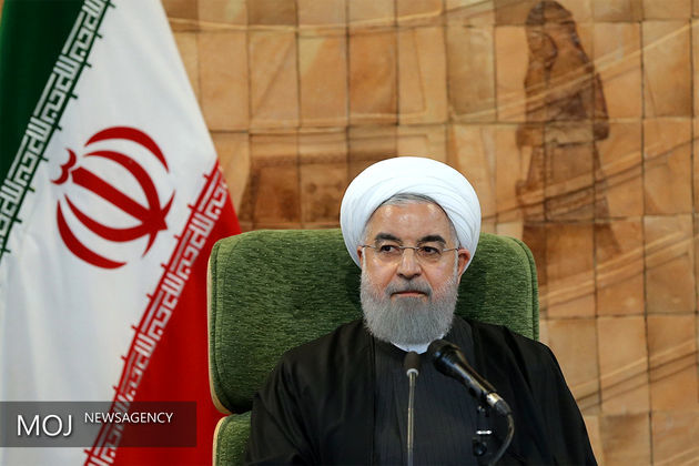 مراسم روز ارتش در مرقد مطهر امام خمینی (ره)  آغاز شد