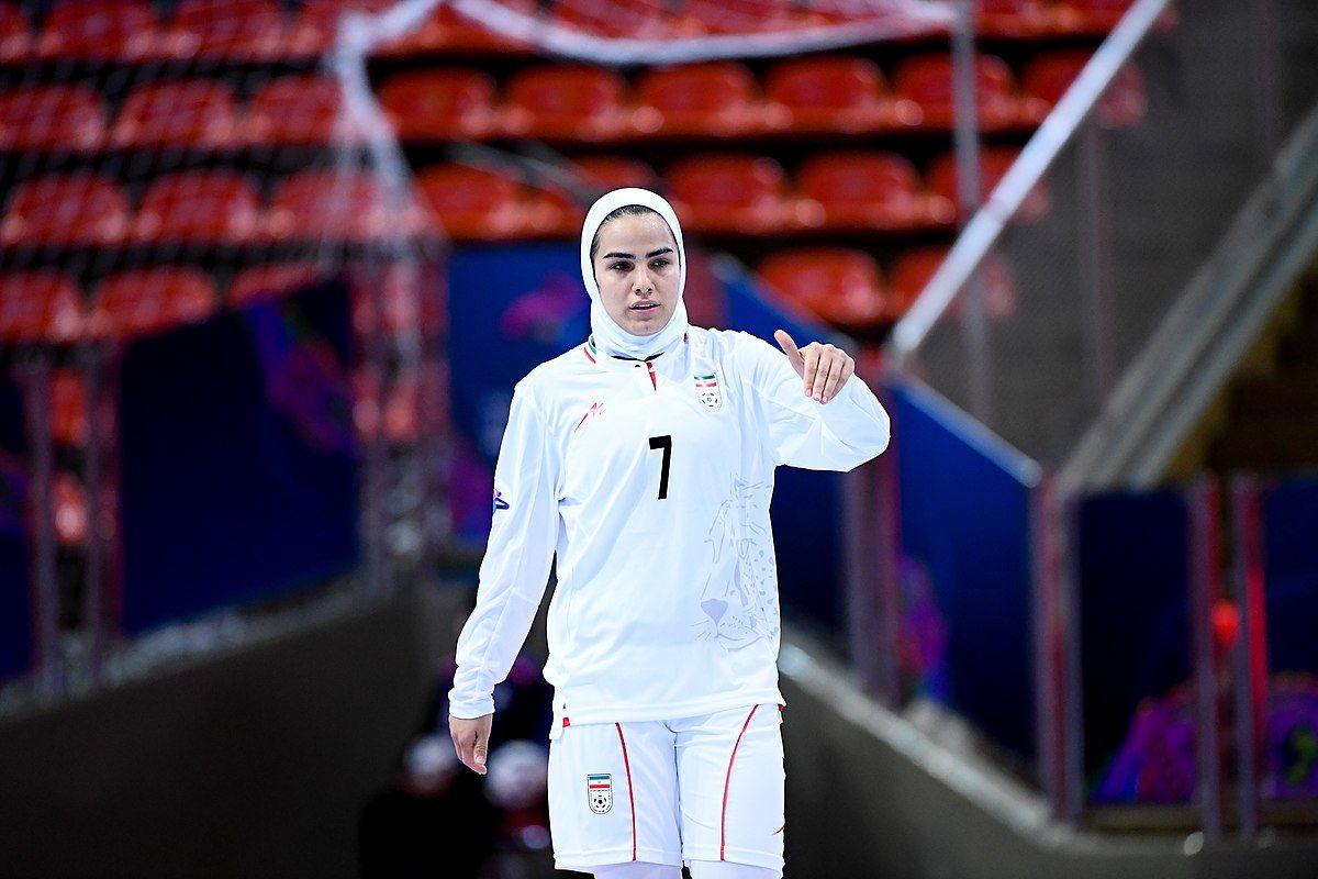 ملی پوش فوتسال ایران در کمپین جهانی زنان علیه فیفا حضور یافت