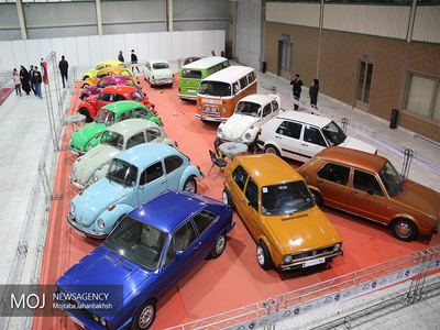 تقاضا بسمت خودروهای زیر ۴۰۰ میلیون تومان رفته است/ خودروهای خارجی مشتری ندارند