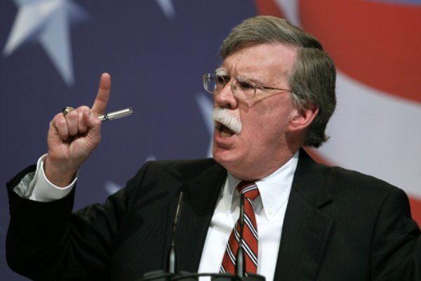 جان بولتون به روسیه هشدار داد