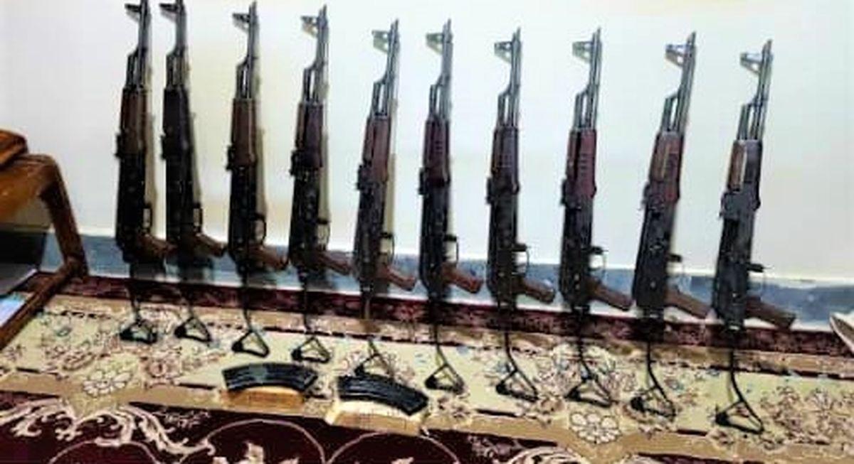 ۱۰ قبضه سلاح قاچاق در مرزهای غربی کشف و ضبط شد
