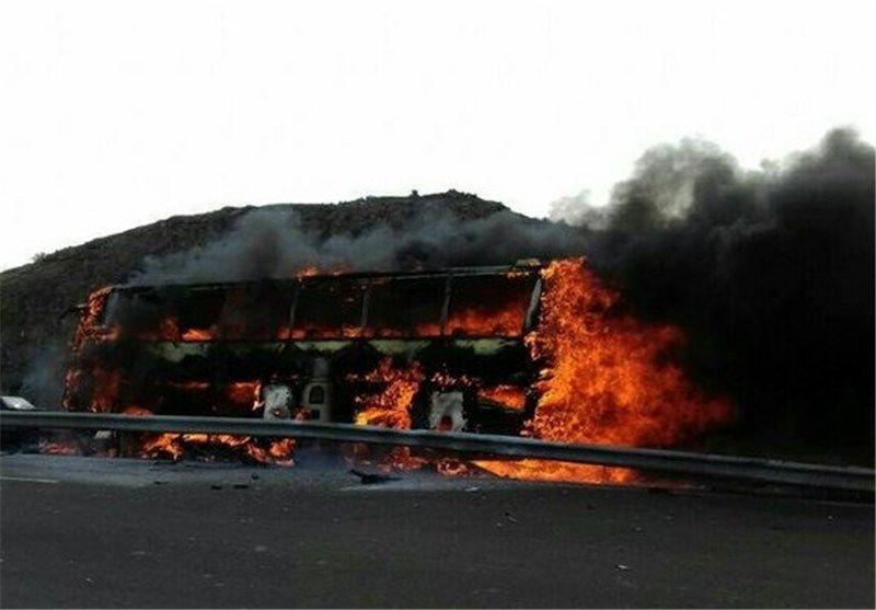 اعزام دو مصدوم حادثه اتوبوس تهران-کرمان به بیمارستان سوانح سوختگی اصفهان