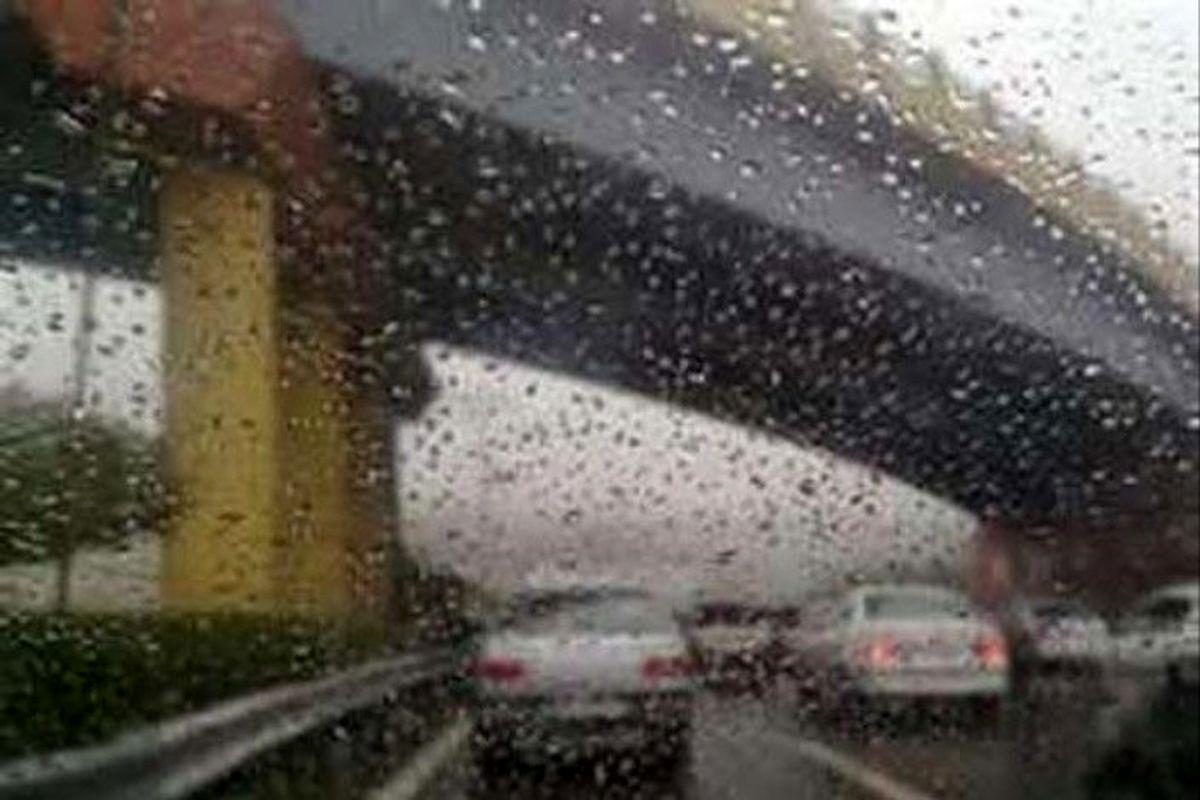 مناطق غربی و شمالی هرمزگان بارانی می شود