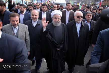 راهپیمایی رییس جمهور در یوم الله ۲۲ بهمن