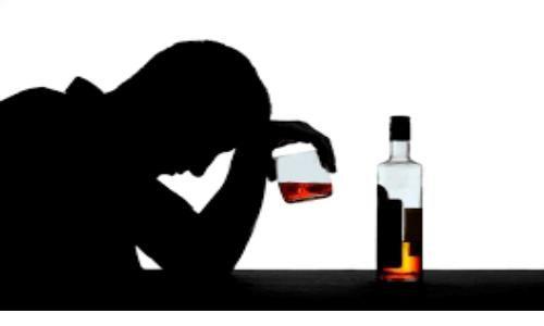 اختلالات روانپزشکی مهمترین عارضه مصرف الکل