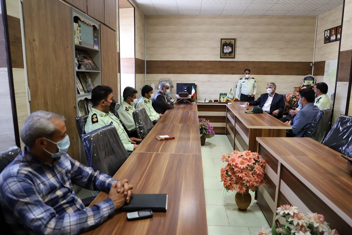 بازدید رییس کل دادگستری یزد از پلیس امنیت عمومی/تاکید بر تربیت صحیح خانواده ها