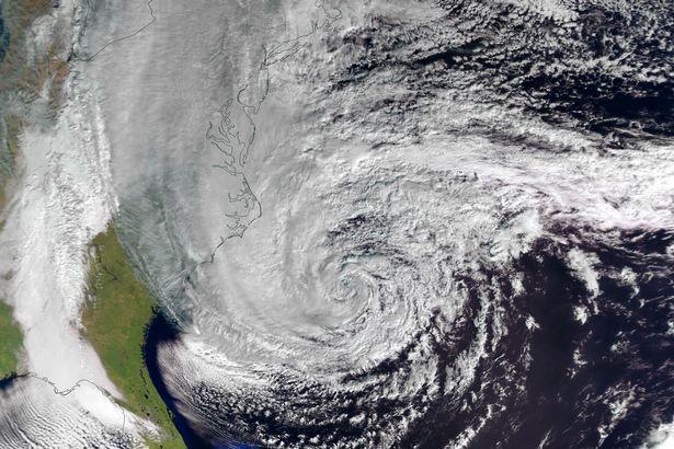 ضربات سنگین توفان به سومین اقتصاد جهان