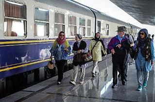 اولین  قطار گردشگری وارد نطنز شد