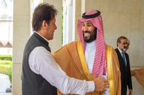 رایزنی نخست وزیر پاکستان با ولیعهد عربستان در مورد مساله کشمیر