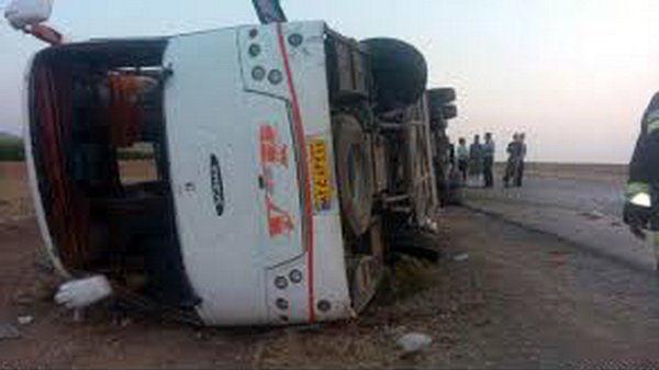 چپ شدن اتوبوس در محور شیراز
