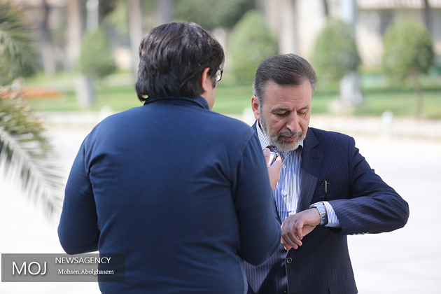 واعظی در جمع خبرنگاران: کلیه دستگاههای ذیربط به موضوع گرانی ورود کنند