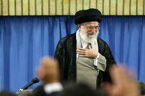 جمعی از خانوادههای شهدای مدافع حرم میهمان ضیافت افطار رهبر انقلاب شدند