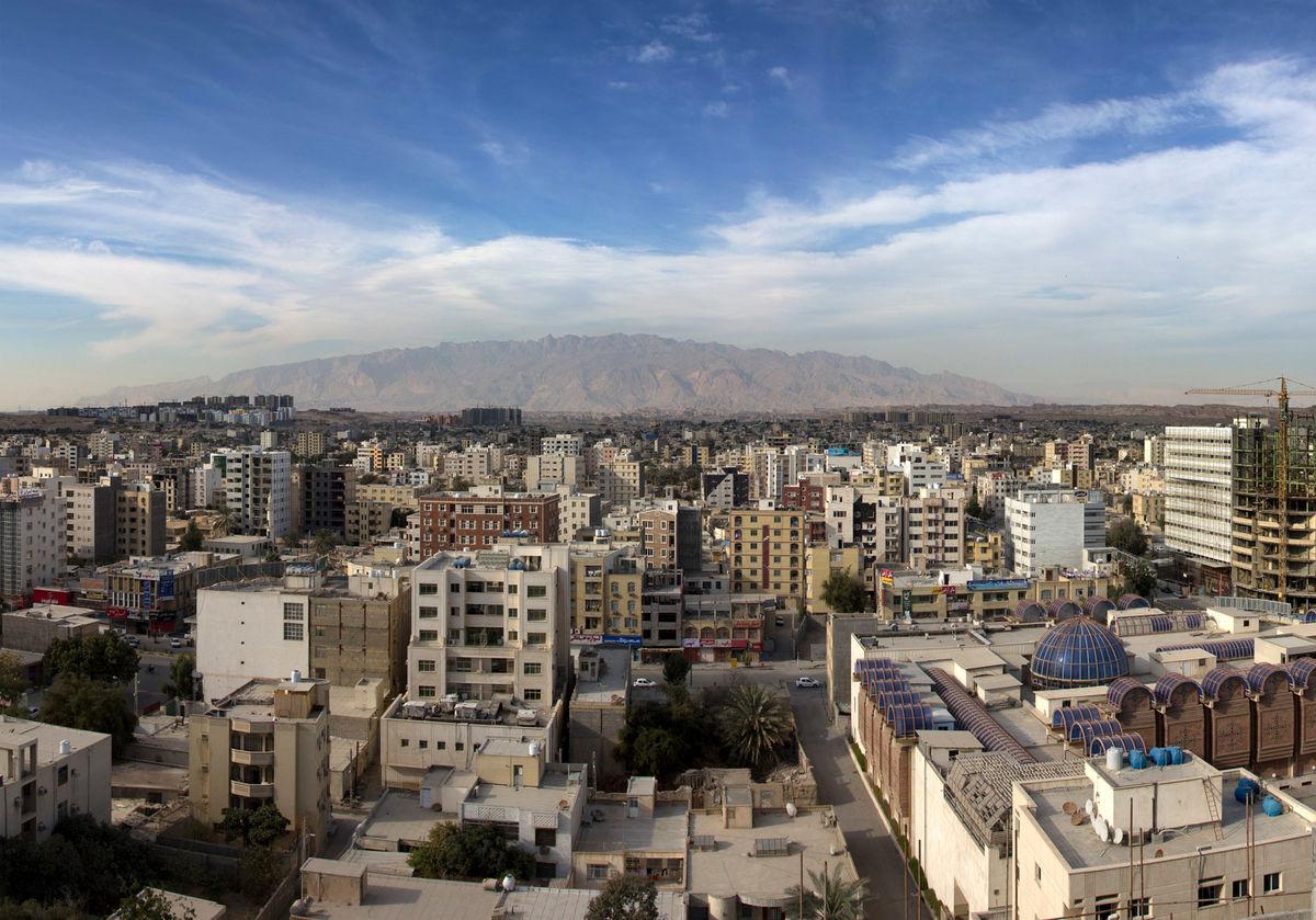 توسعه پایدار شهری با رویکرد خدماتی در نواحی شهرداری منطقه سه بندرعباس