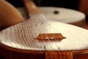 کمک هنری تولید کننده آلات موسیقی «افتخاری» به هنرمندان سیل زده لرستان