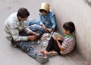 برای مقابله با پدیده کودک کار باید مفهوم کودک کار را از کودک خیابانی متمایز دانست