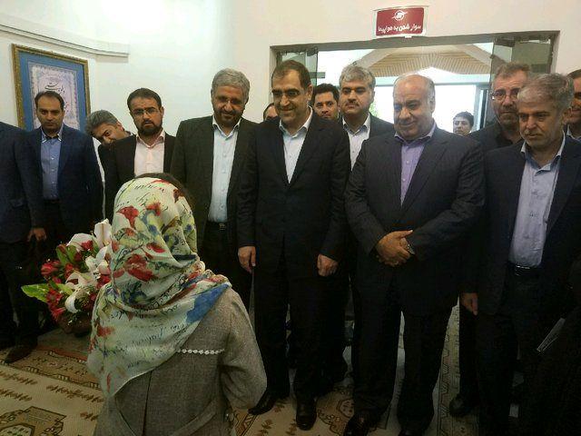 افتتاح مرکز درمان بیماریهای ریوی در کرمانشاه/ رونمایی از 5 داروی درمان هپاتیت و ایدز
