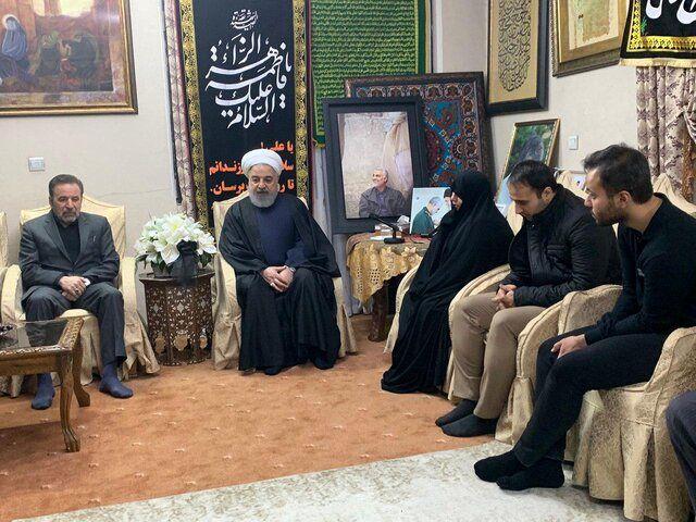 رئیس جمهور در منزل سردار شهید سلیمانی حضور یافت