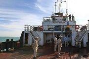 انهدام باند قاچاقچیان خارجی سوخت در هرمزگان/کشف ۵۵۰ هزار لیتر گازوئیل قاچاق در مرزهای آبی جاسک