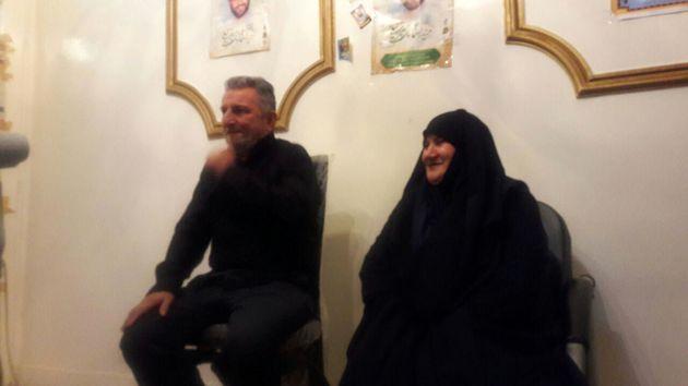 دیدار رئیس و اعضای شورای اسلامی شهر رشت با خانواده شهید مدافع حرم اسماعیل سیرت نیا