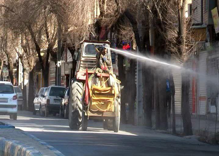 ضد عفونی کردن روزانه معابر در شهر گرگاب
