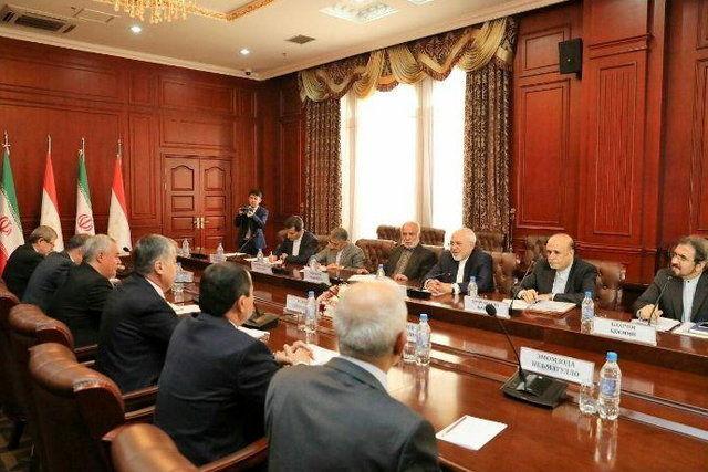 ظریف با همتای تاجیکستانی خود دیدار کرد