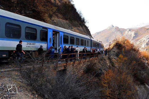 توقف اضطراری قطار پلسفید گرگان بهدلیل شرایط جوی