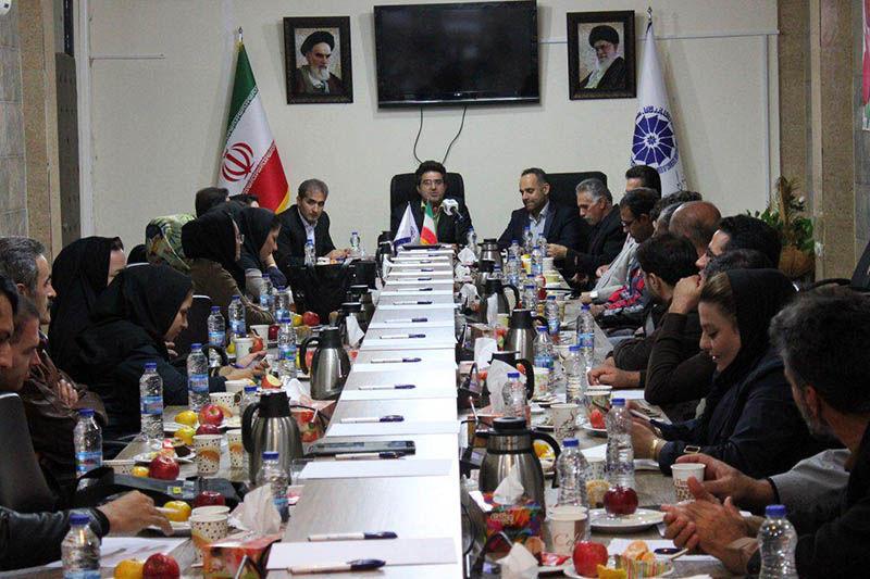 توسعه کردستان از بستر کشاورزی و کارهای خدماتی فراهم خواهد شد