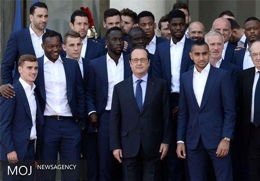 پذیرایی رئیس جمهور فرانسه از فینالیست بازنده یورو ۲۰۱۶ در کاخ الیزه + تصاویر