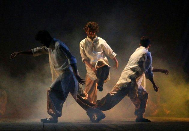 اجرای نمایش افسانههای خلیج در تالار محراب