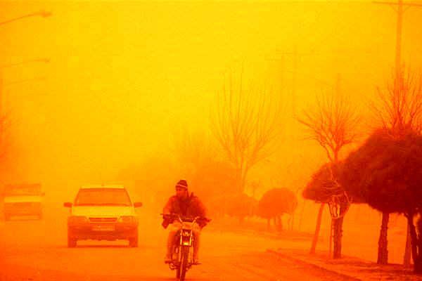 فردا در آسمان خوزستان گرد و خاک می بارد