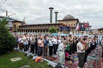 اقامه نماز عید فطر به امامت نماینده ولی فقیه در گیلان در مصلای رشت
