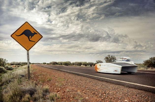 هلند در سکوی اول مسابقات خودروهای خورشیدی