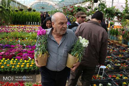 حال و هوای بازار گل همدانیان در اصفهان
