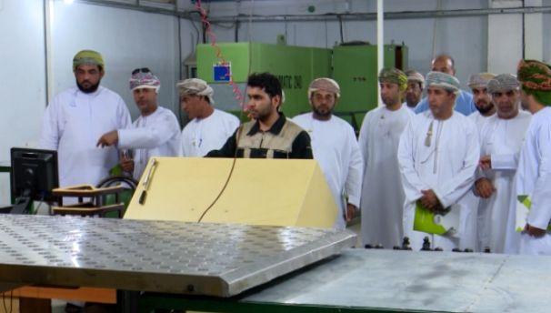 بازدید هیات تجاری عمانی از واحدهای تولیدی مصالح ساختمانی هرمزگان