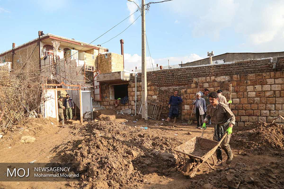 پرداخت ۲۷۰ میلیارد ریال خسارت به سیل زدگان لرستان و خوزستان